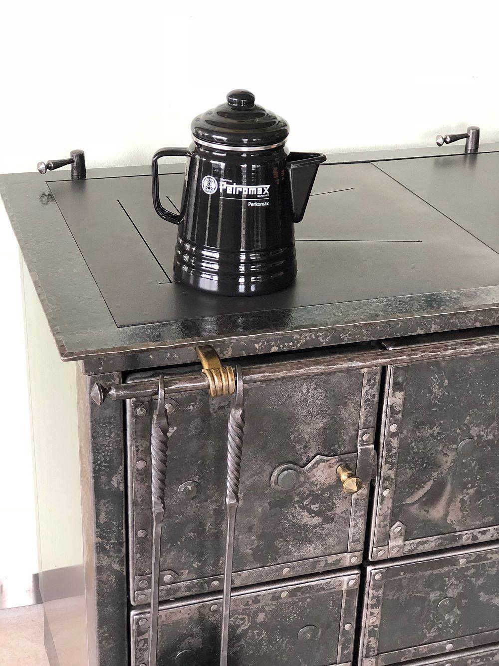 und Kaffee-Perkolator  schwarz Petromax Tee