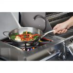1000.70028_stainless_steel_wok_in_use